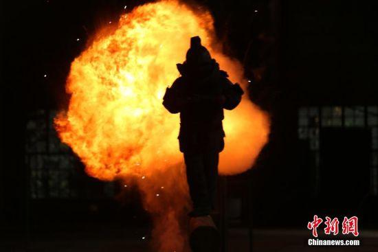 云南武警工兵分队紧贴实战开展专业强化训练