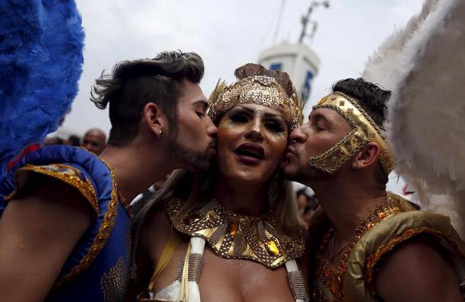 巴西里约举行同性恋骄傲游行