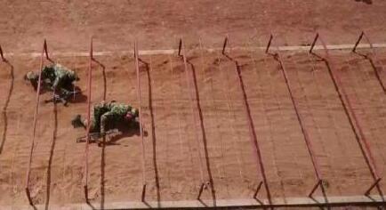 """直击云南武警""""擒敌"""" 官兵""""空手夺白刃"""""""