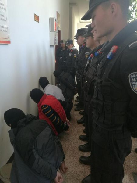 曲靖警方抓获涉恶团伙 图片来源:云南省公安厅