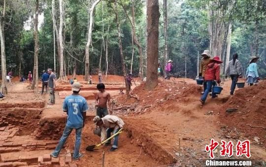 图为挖掘现场。柬中时报提供