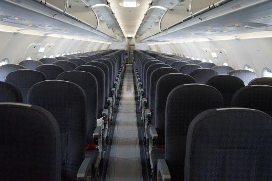 红航第十一架飞机客舱内部