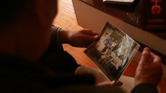 王老师参加先进工作者交流时的珍贵留影。