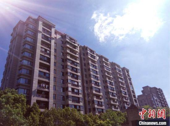 资料图:杭州某住宅楼。 郭其钰 摄