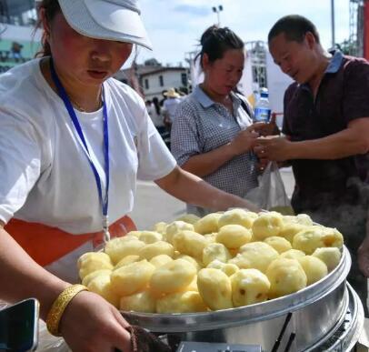 国人一年吃掉2万亿元零食,云南这些让人口水直流的零食贡献可不小!